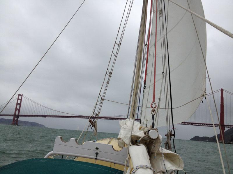 Sailiong under Golden Gate Bridge