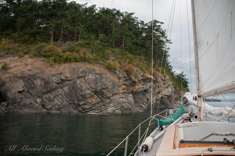Sailing passed Flattop Island
