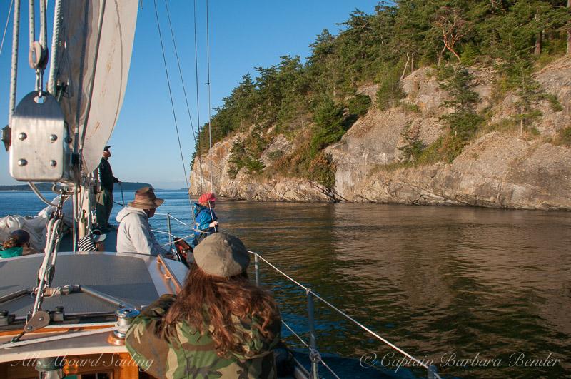 Sailing along Flattop Island
