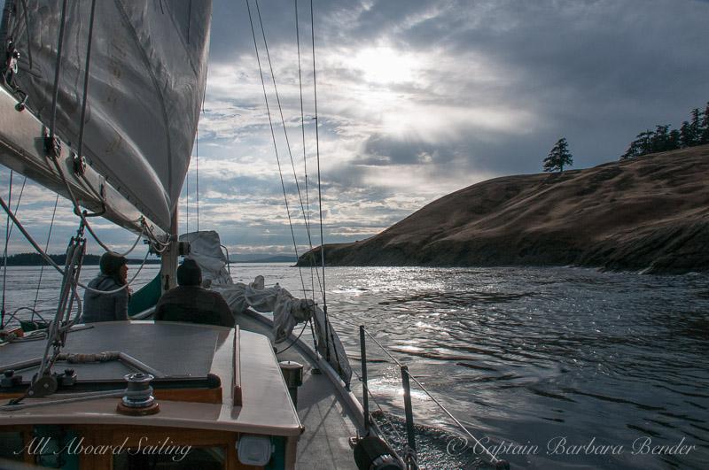 Sailing to Spieden Island