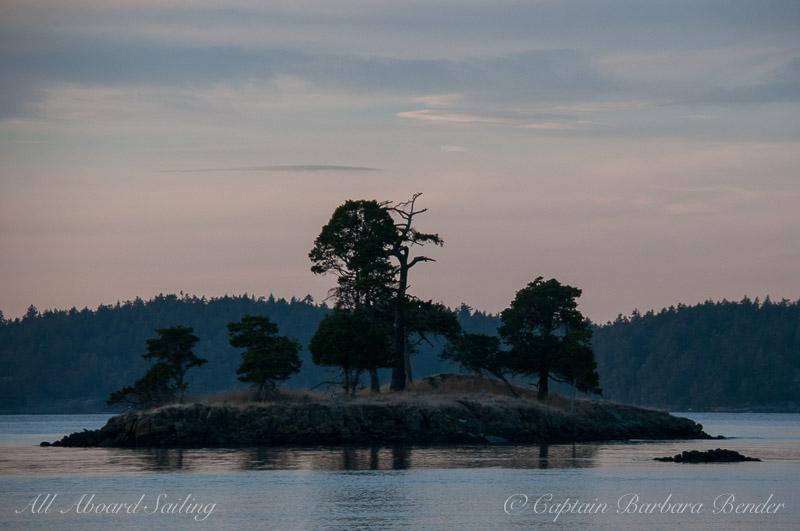 Small island off Turn Island