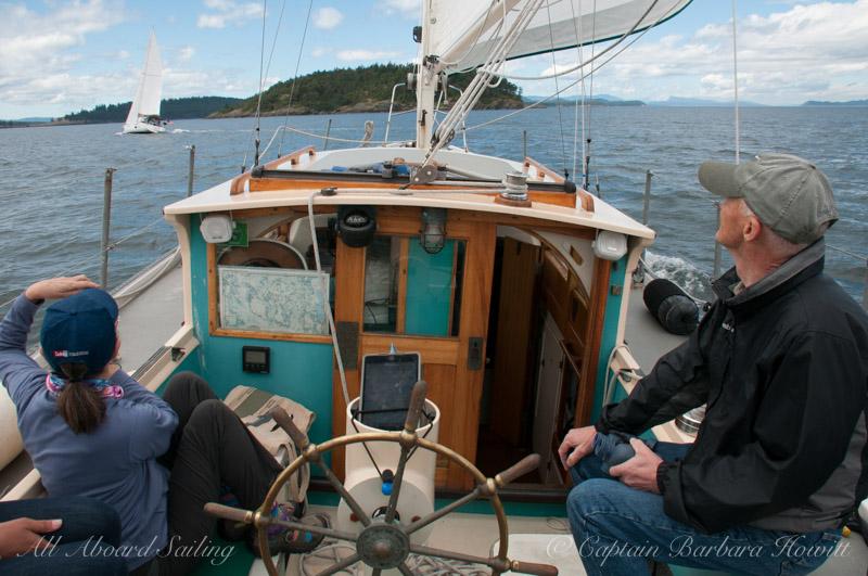 Sailing towards Flattop Island
