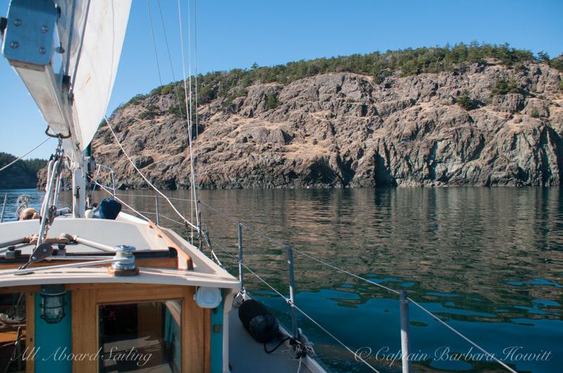 Sailing along the south Lopez coast
