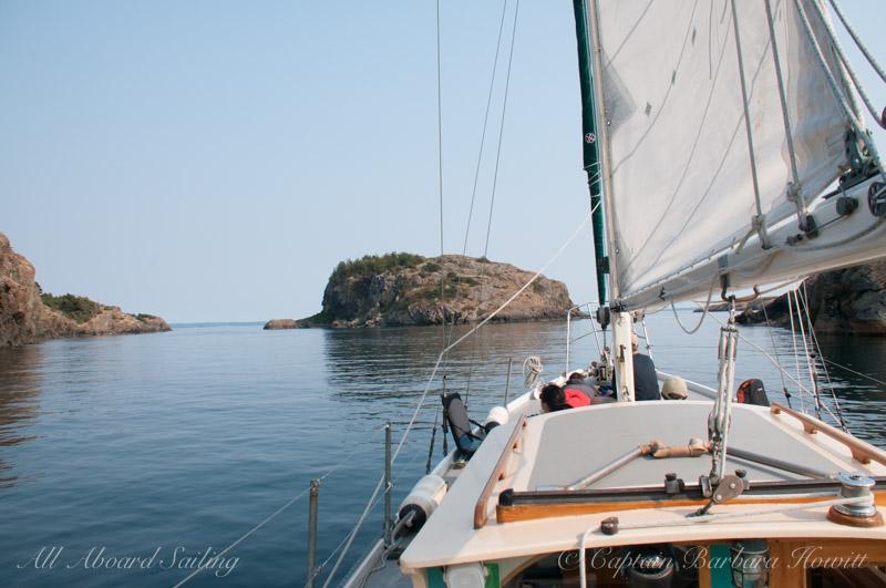 Sailing toward Castle Island