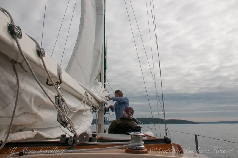 Capt David raising the main sail